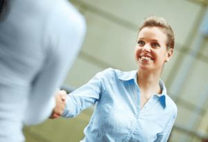 Les femmes développent moins leurs réseaux professionnels