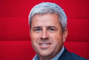 Oracle, davantage prestataire de services