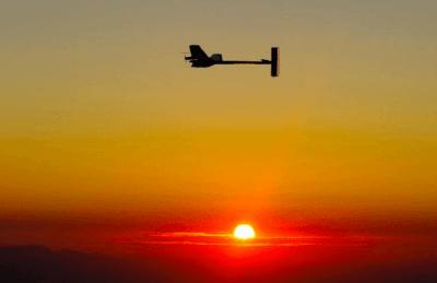 Solar Impulse 2 : du soleil et des data