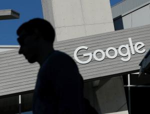 Google se renforce dans les bases de données pour entreprise