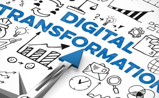 Transformation digitale : le boss pense plutôt réduction des coûts !