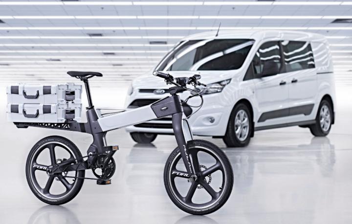 Tesla ou Ford ? Voiture ou service de mobilité ?