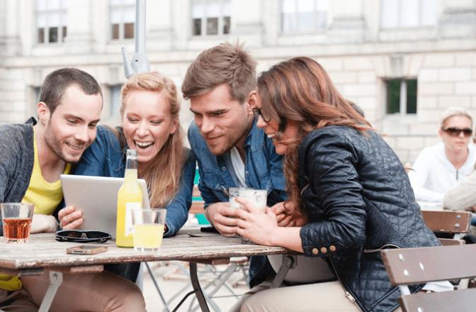 Les jeunes attendent plus d'interaction avec les marques