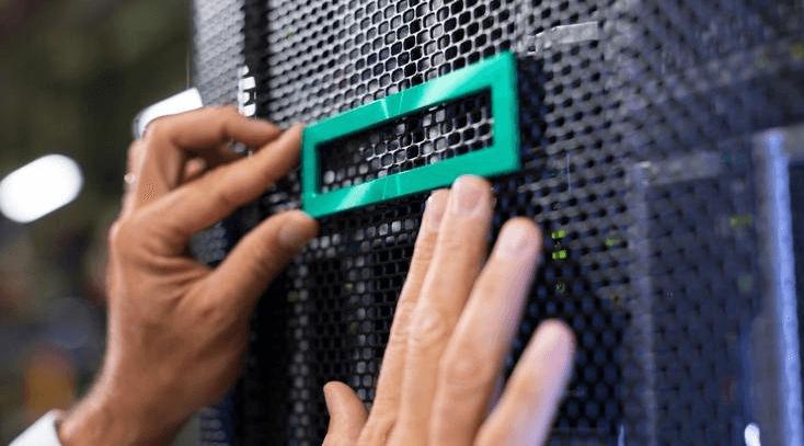 HPE ProLiant for Microsoft Azure Stack permet aux entreprises de proposer des services avec Azure depuis une infrastructure HPE installée au sein de leurs propres datacenters.