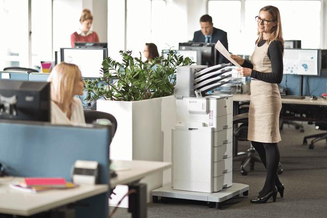 Traditionnellement, les imprimantes laser étaient associées aux entreprises exigeant un volume d'impression élevé, tandis que les imprimantes à jet d'encre étaient destinées aux petits bureaux (à domicile).