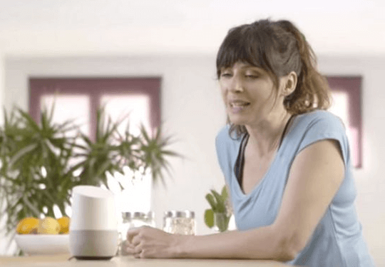 Lara Voice de Meetic, coach de dating intelligent sur l'Assistant Google