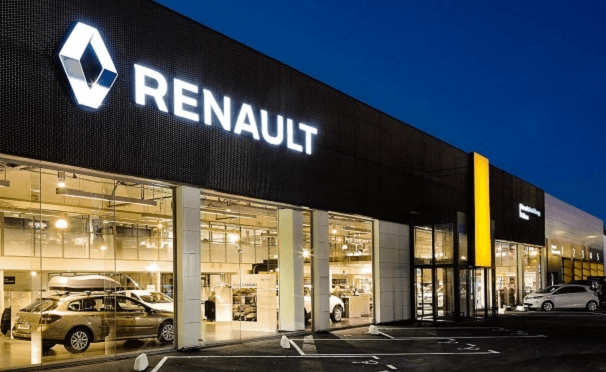 6 Interactive Whiteboard D2200 pour former les collaborateurs de Renault