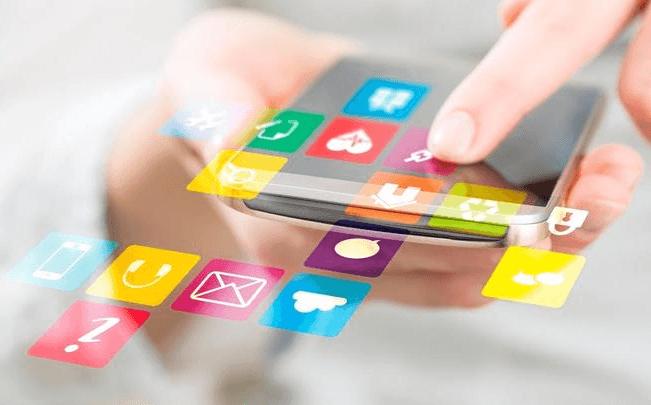 Innovation rime avec applications. D'ici 2020, 75% des applications seront créées et construites par les clients eux-mêmes et non plus acquises auprès des éditeurs