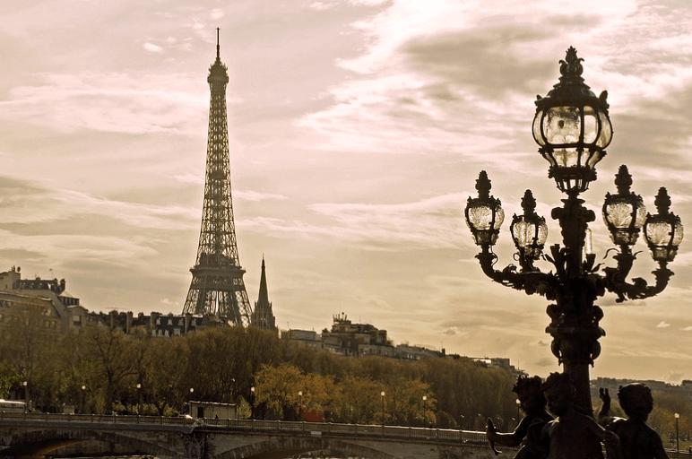 Waeg, Paris vous voici !